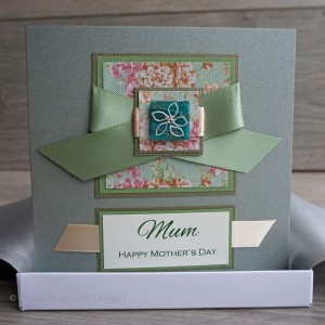"Boxed Mother's Day Card ""Vintage Daisies"""